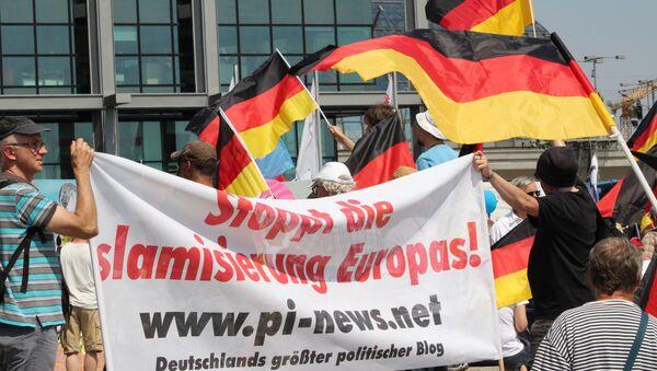 AfD-Anhänger gegen die Islamisierung Europas. - Sputnik Italia