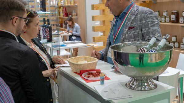 World Food permette un contatto diretto tra produttori italiani e rivenditori e distributori russi selezionati - Sputnik Italia