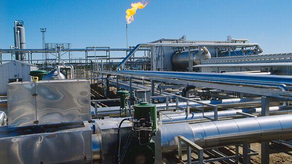 Industria di depurazione del gas - Repubblica dei Komi - Sputnik Italia