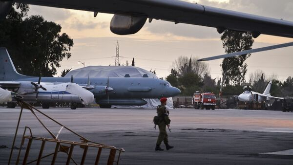 Il-20 alla base aerea russa a Hmeimim in Siria - Sputnik Italia