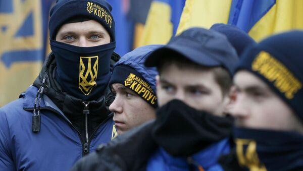 Активисты националистических организаций во время марша в Киеве, приуроченного к годовщине Евромайдана - Sputnik Italia