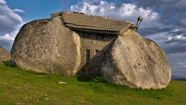 La casa-pietra in Portogallo - Sputnik Italia