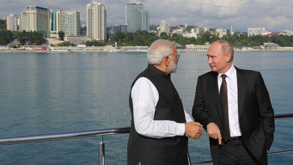 Vladimir Putin e Narendra Modi - Sputnik Italia