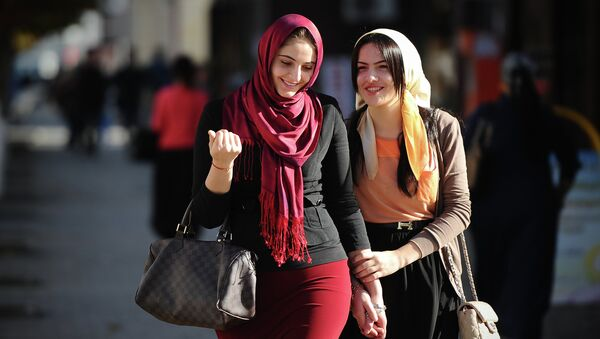 Ragazze musulmane nella Cecenia - Sputnik Italia