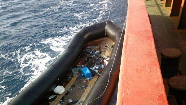 Un barco di immigrati  - Sputnik Italia