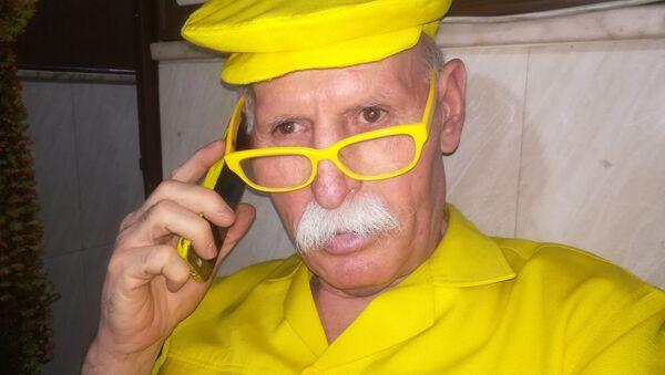 Uomo in giallo - Sputnik Italia