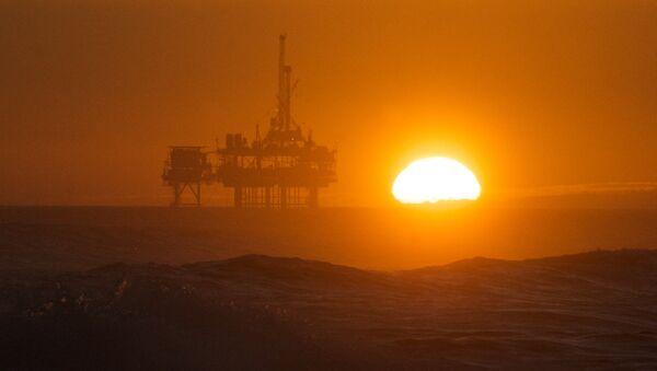 Una piattaforma petrolifera - Sputnik Italia