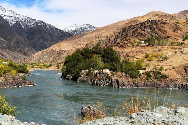 I kishlak afgani al confine tra Afghanistan e Tagikistan - Sputnik Italia