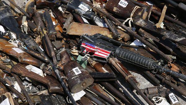 Armas apreendidas pelo Poder Judiciário e pelas polícias Civil e Militar do Rio de Janeiro destruídas pelo Exército Brasileiro e o Conselho Nacional de Justiça (arquivo) - Sputnik Italia