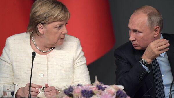 Ottobre 27, 2018, L'incontro sulla Siria tra Vladimir Putin e Angela Merkel - Sputnik Italia