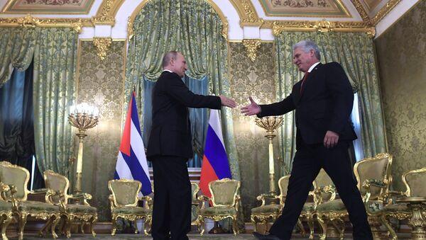L'incontro tra il presidente cubano Miguel Diaz-Canel Bermudez e il presidente russo Vladimir Putin - Sputnik Italia