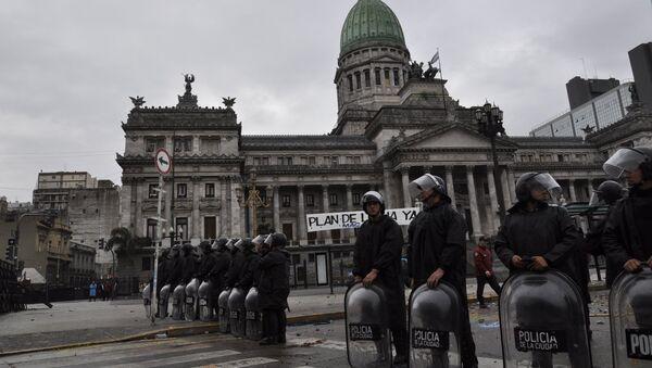 Polizia a Buenos Aires - Sputnik Italia