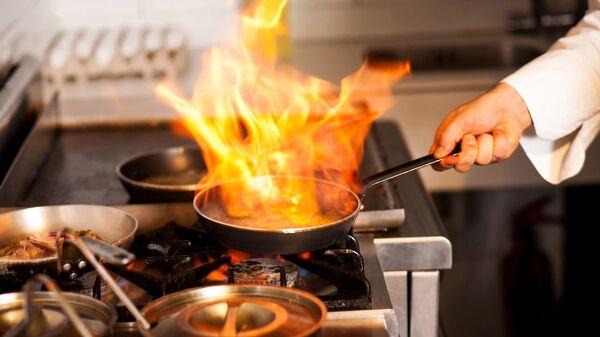 Chef in cucina - Sputnik Italia