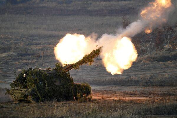 Il semovente di predominio tattico 2S19 Msta-S nella regione di Nizhny Novgorod. - Sputnik Italia