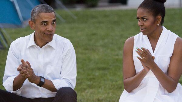 Barack e Michelle Obama alla Casa Bianca a Washington. - Sputnik Italia