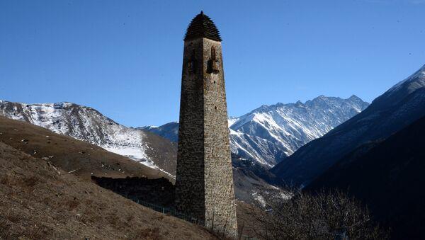Una delle torri della fortezza di Lyaski - INGUSCEZIA - Sputnik Italia