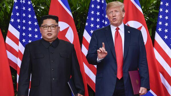Donald Trump e Kim Jong-un - Sputnik Italia