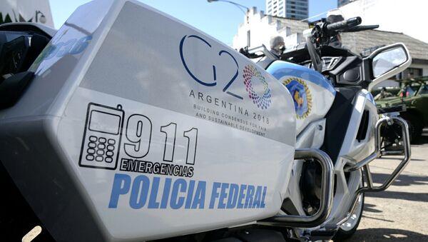Moto della Polizia Federale argentina con il logo del G20 - Sputnik Italia
