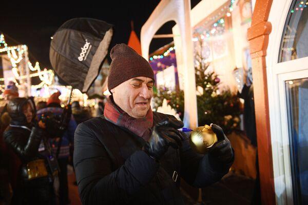 Anche l'attore Kamil Larin ha partecipato alle celebrazioni. - Sputnik Italia
