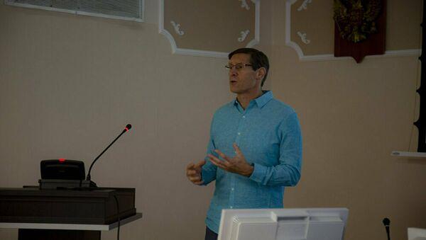John Lajoie, professore di fisica presso l'Università dello Utah (USA) - Sputnik Italia