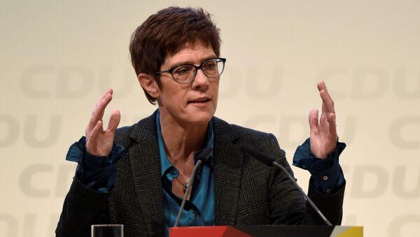 Annegret Kramp-Karrenbauer (CDU) - Sputnik Italia