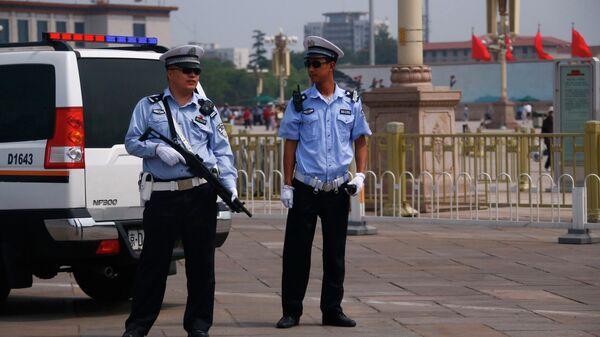 Agenti di polizia in Cina - Sputnik Italia