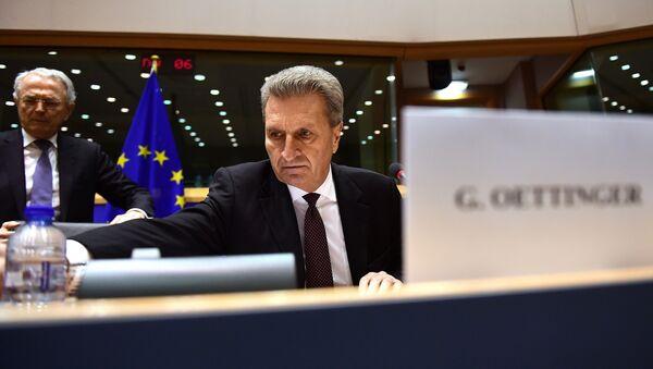 Il commissario europeo al Bilancio, Guenther Oettinger - Sputnik Italia
