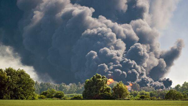 Un incendio in una zona di campagna - Sputnik Italia