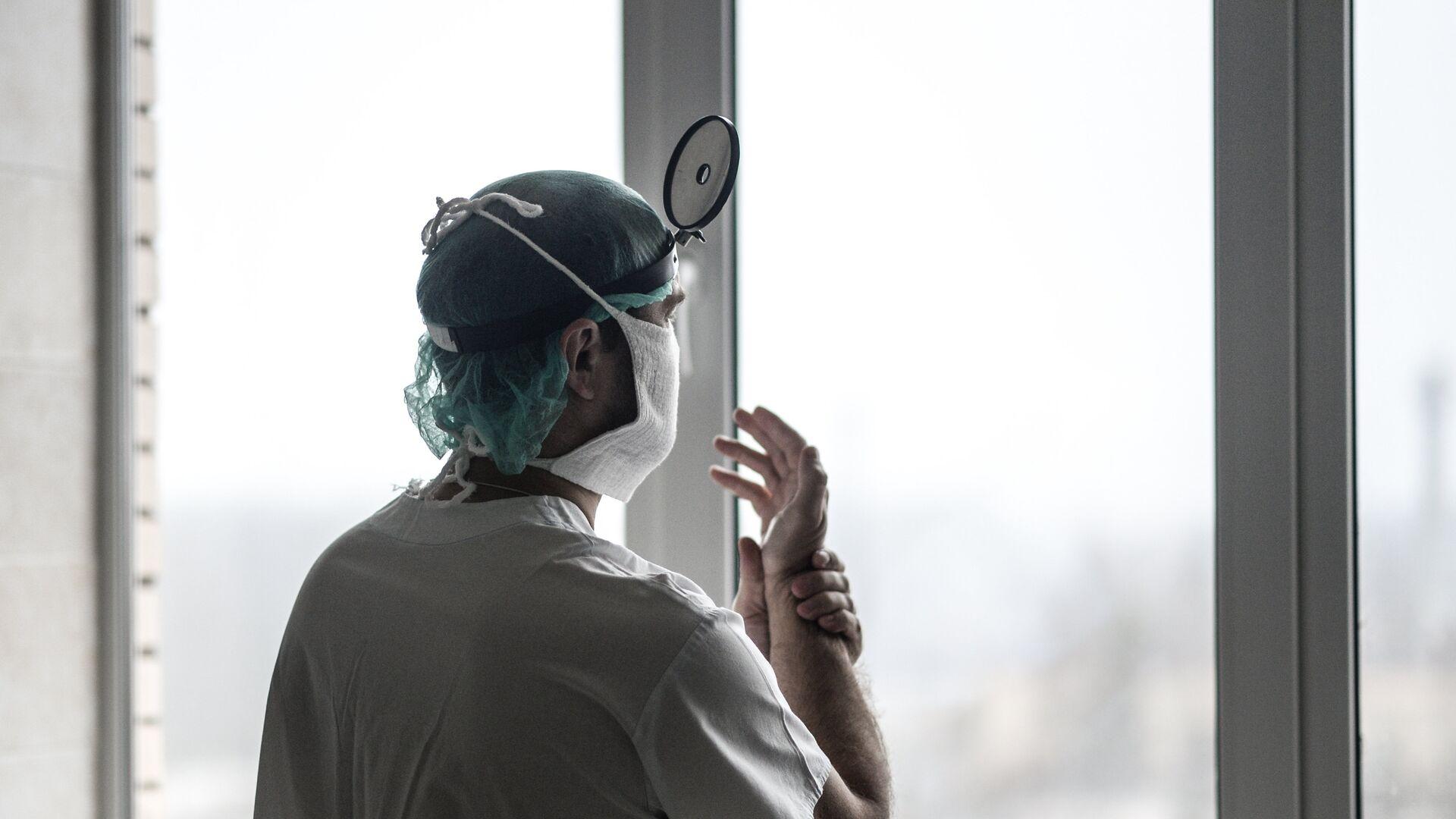 Dottore in ospedale - Sputnik Italia, 1920, 09.09.2021