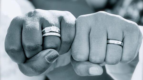 Matrimonio fasullo - Sputnik Italia