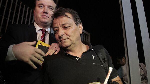 Attivista ed ex terrorista italiano Cesare Battisti (a destra) - Sputnik Italia