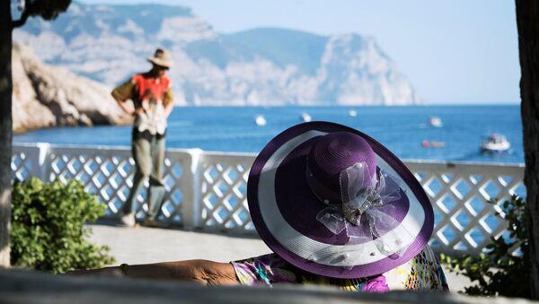 Villeggianti in Crimea - Sputnik Italia