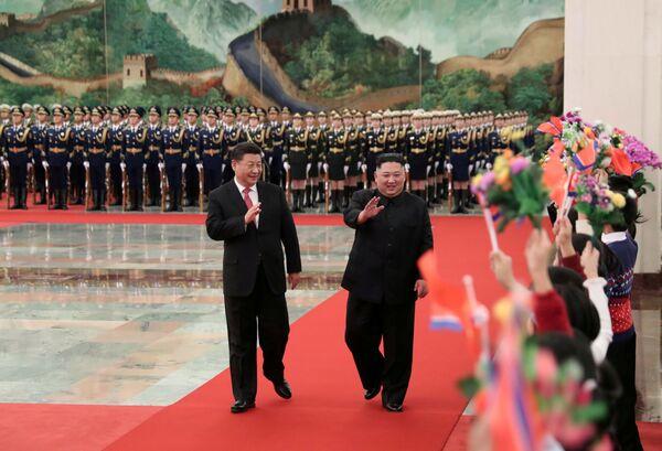 In occasione del suo 36° compleanno il leader nordcoreano Kim Jong Un si è regalato una visita a sorpresa in Cina. - Sputnik Italia