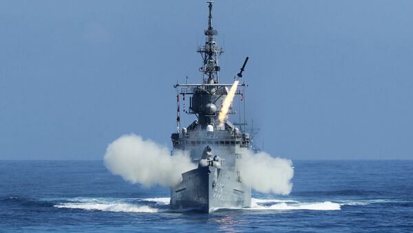 Taiwan Navy's Perry-class frigate launches an ASROC (anti-submarine rocket) during the annual Han Kuang military exercises. - Sputnik Italia