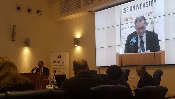 Il ministro dell'Economia italiano Giovanni Tria alla Scuola Superiore di Economia di Mosca - Sputnik Italia