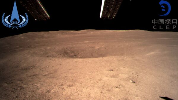 The first image of the moon's far side taken by China's Chang'e-4 probe - Sputnik Italia