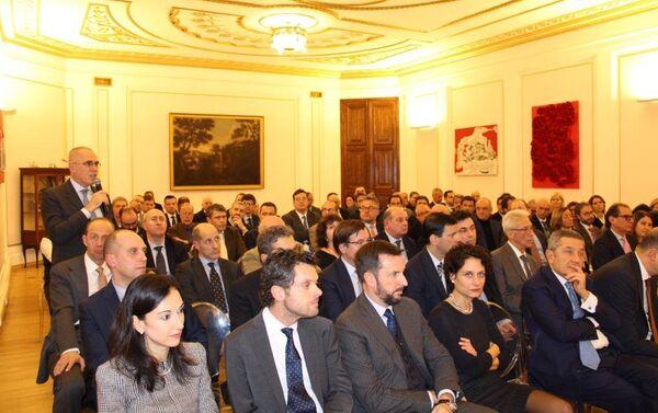La platea di imprenditori italiani in Russia intervenuta all'incontro con il ministro Tria - Sputnik Italia