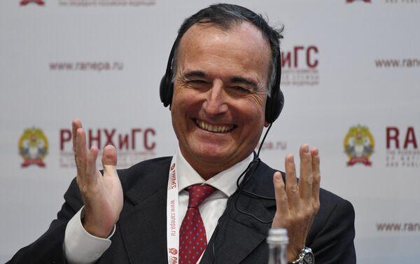 Franco Frattini al X Forum Gaidar - Sputnik Italia
