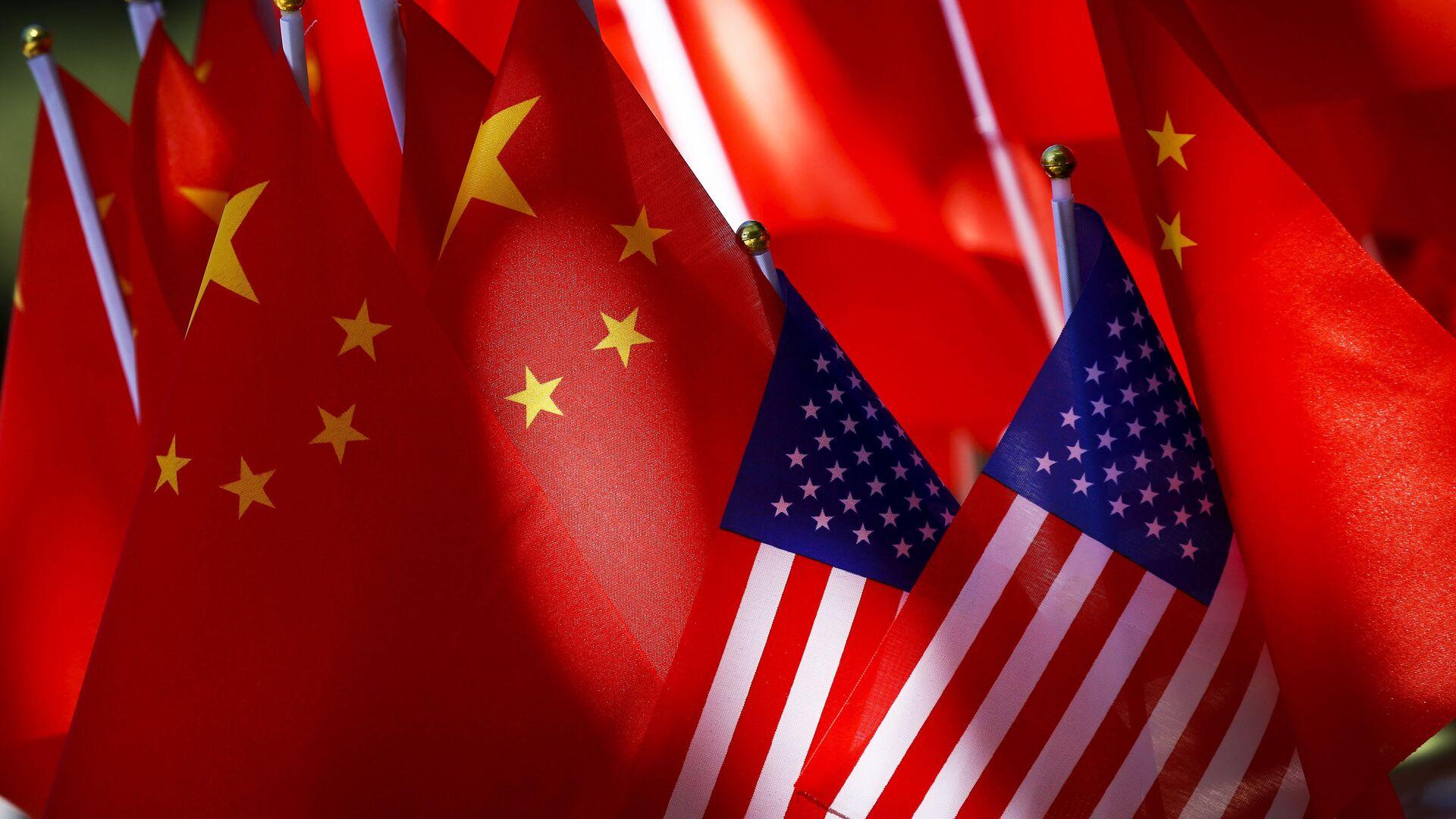 Bandiere Cina USA - Sputnik Italia, 1920, 24.02.2021
