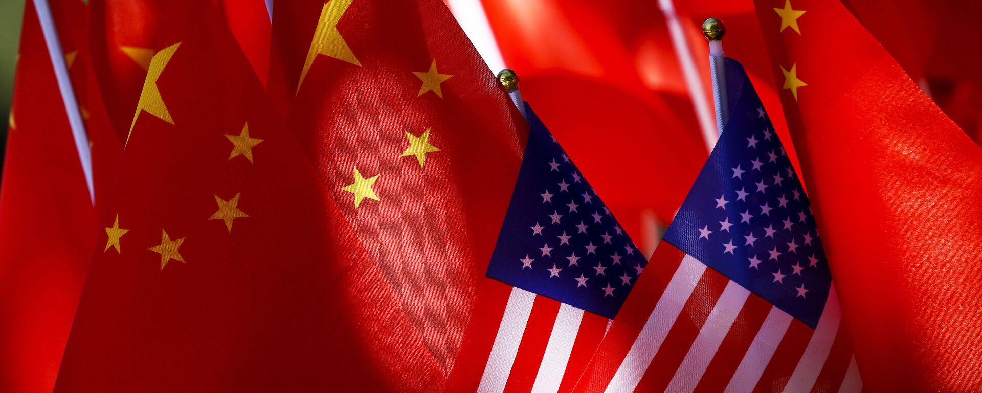 Bandiere Cina USA - Sputnik Italia, 1920, 18.04.2021