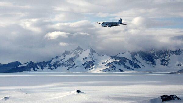 La catena montuosa Voltadt in Antartide, là si trova la stazione scientifica russa Novolazarevskaya - Sputnik Italia