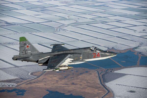 Su-25SM3 durante le esercitazione nel territorio di Krasnodar. - Sputnik Italia