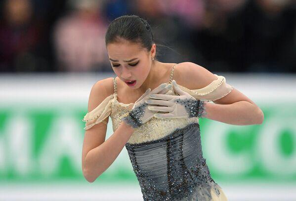 La pattinattrice russa Alina Zagitova si esibisce al campionato dell'Europa a Minsk. - Sputnik Italia