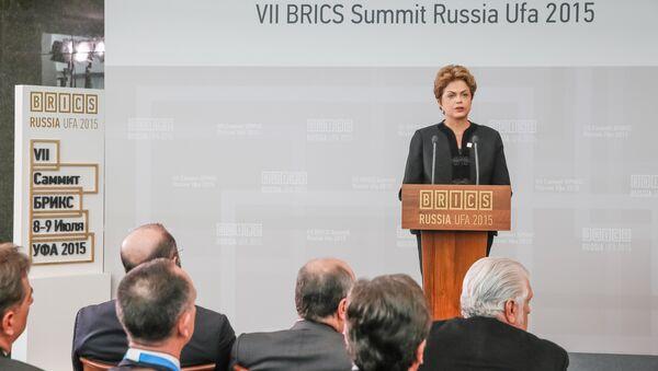 Presidente del Brasile Dilma Rousseff al vertice BRICS ad Ufa, Russia, 09.07.2015 - Sputnik Italia
