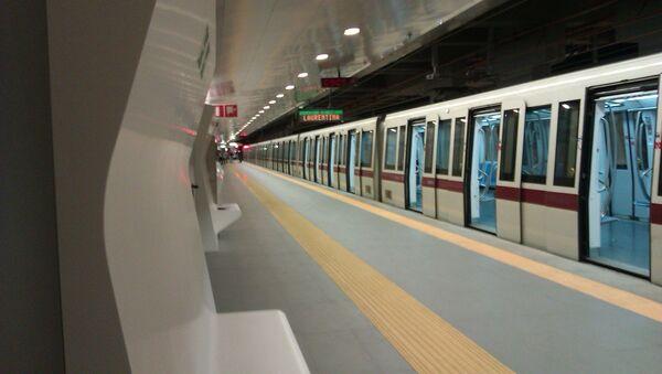Nella metropolitana di Roma. - Sputnik Italia