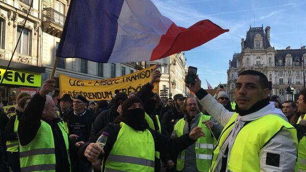 Le proteste dei sindacati francesi per i salari minimi nel Paese - Sputnik Italia