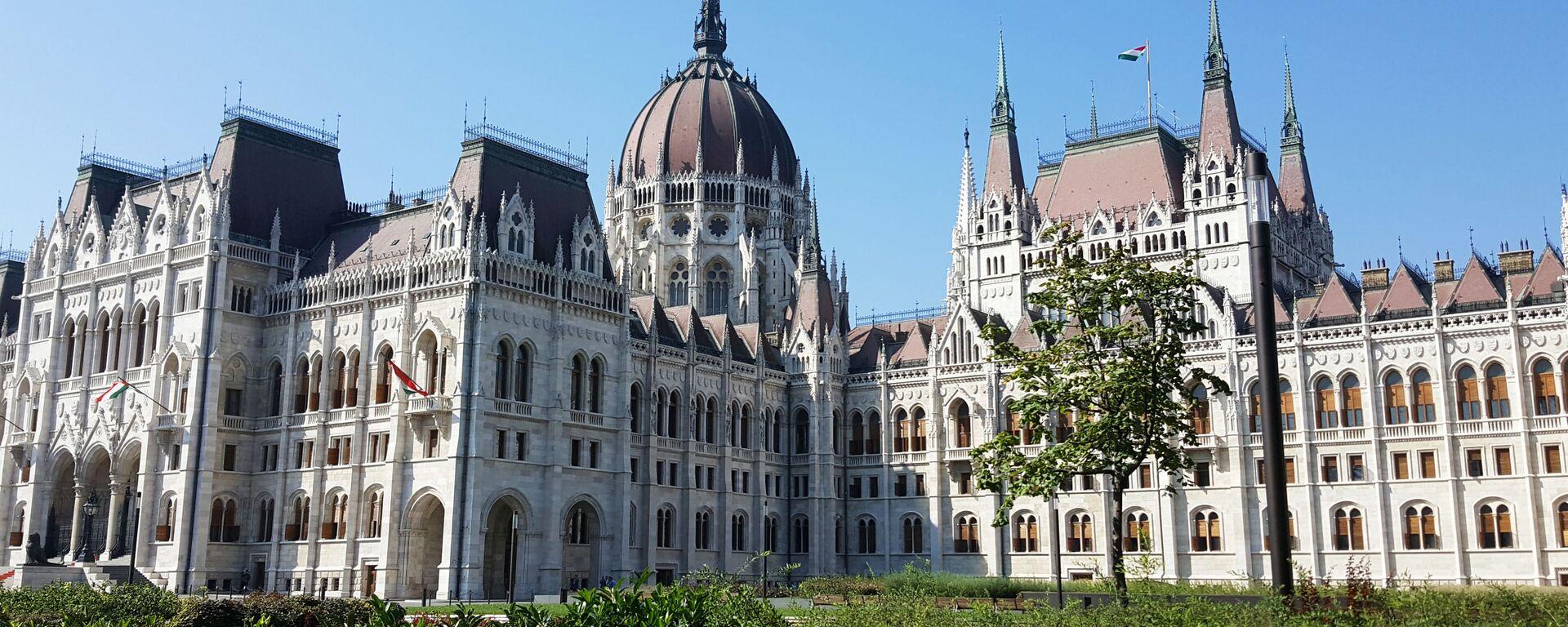 Il parlamento dell'Ungheria, Budapest - Sputnik Italia, 1920, 22.07.2021