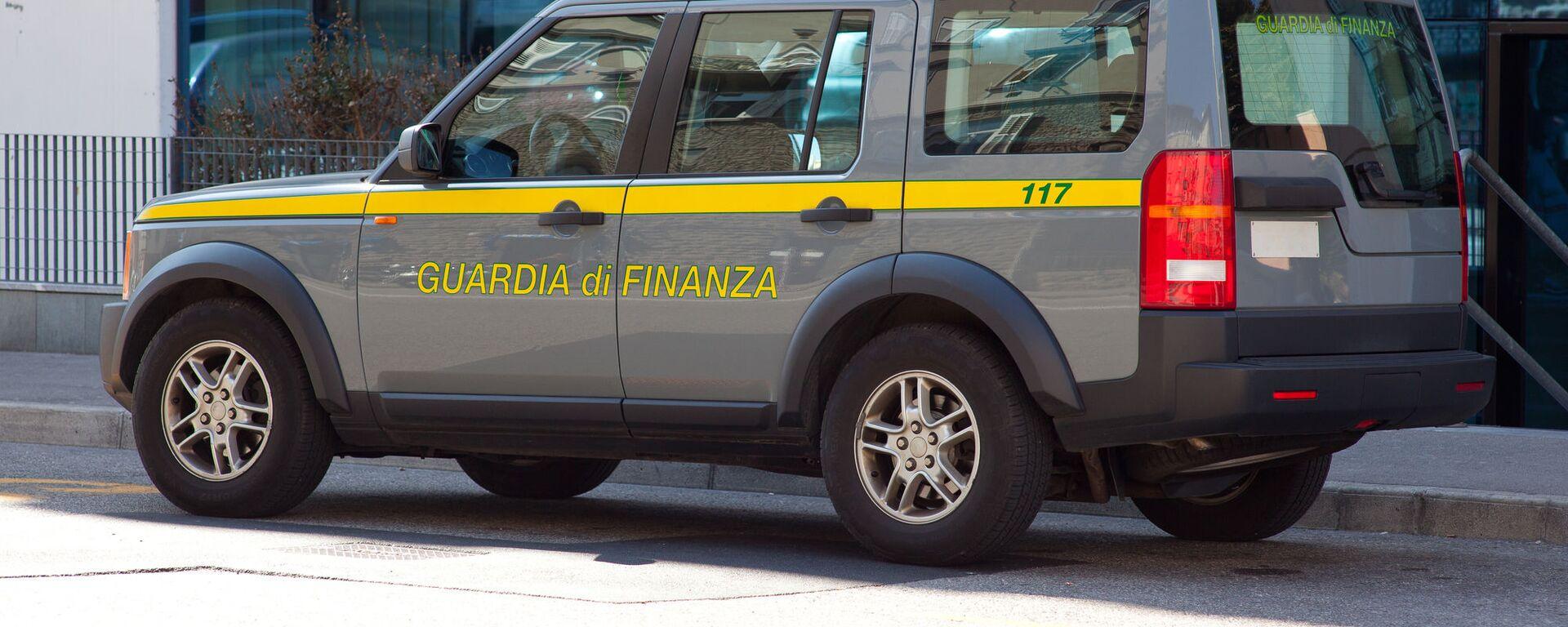 L'autoveicolo della Guardia di Finanza italiana - Sputnik Italia, 1920, 12.02.2021