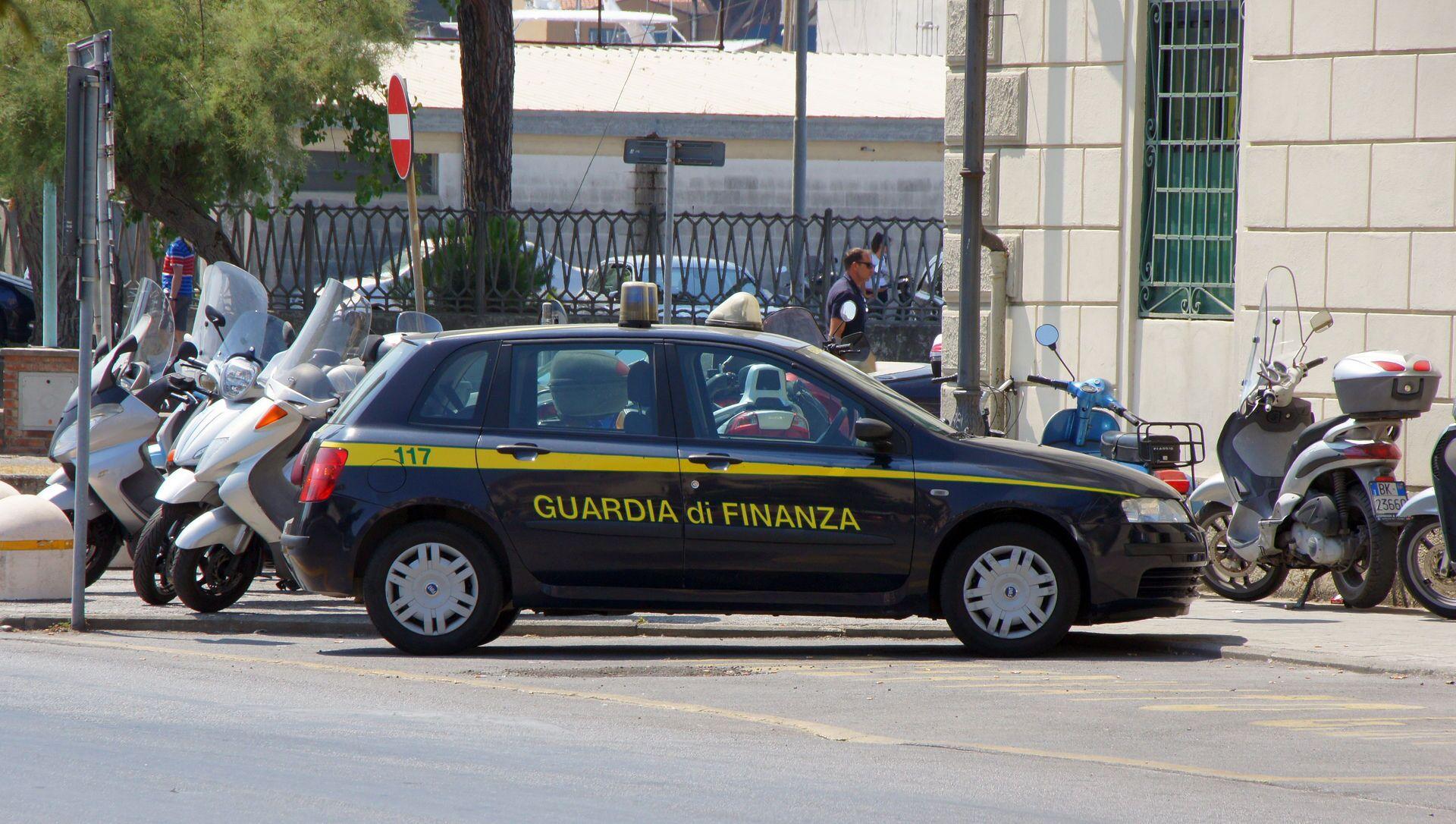 Autoveicolo della Guardia di Finanza - Sputnik Italia, 1920, 07.04.2021