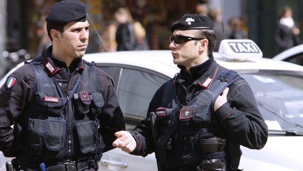 Agenti della polizia a Milano - Sputnik Italia